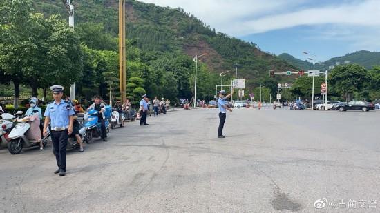 泸州古蔺县城山体垮塌追踪:事发处有限度恢复通行