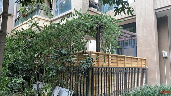 王先生家的木栅栏
