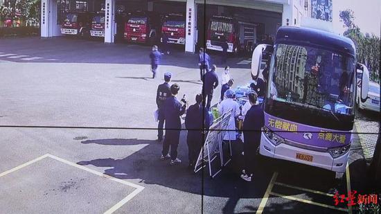 消防队员献血