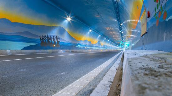 汶马高速已通车路段(汶马公司供图)