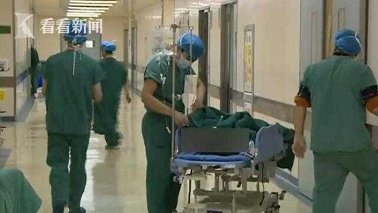 16岁少女胸腔被6斤重肿瘤挤满了 平时却能跑能跳