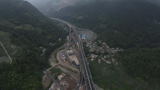 峨汉高速峨眉至峨边段已建成通车 蜀道集团供图