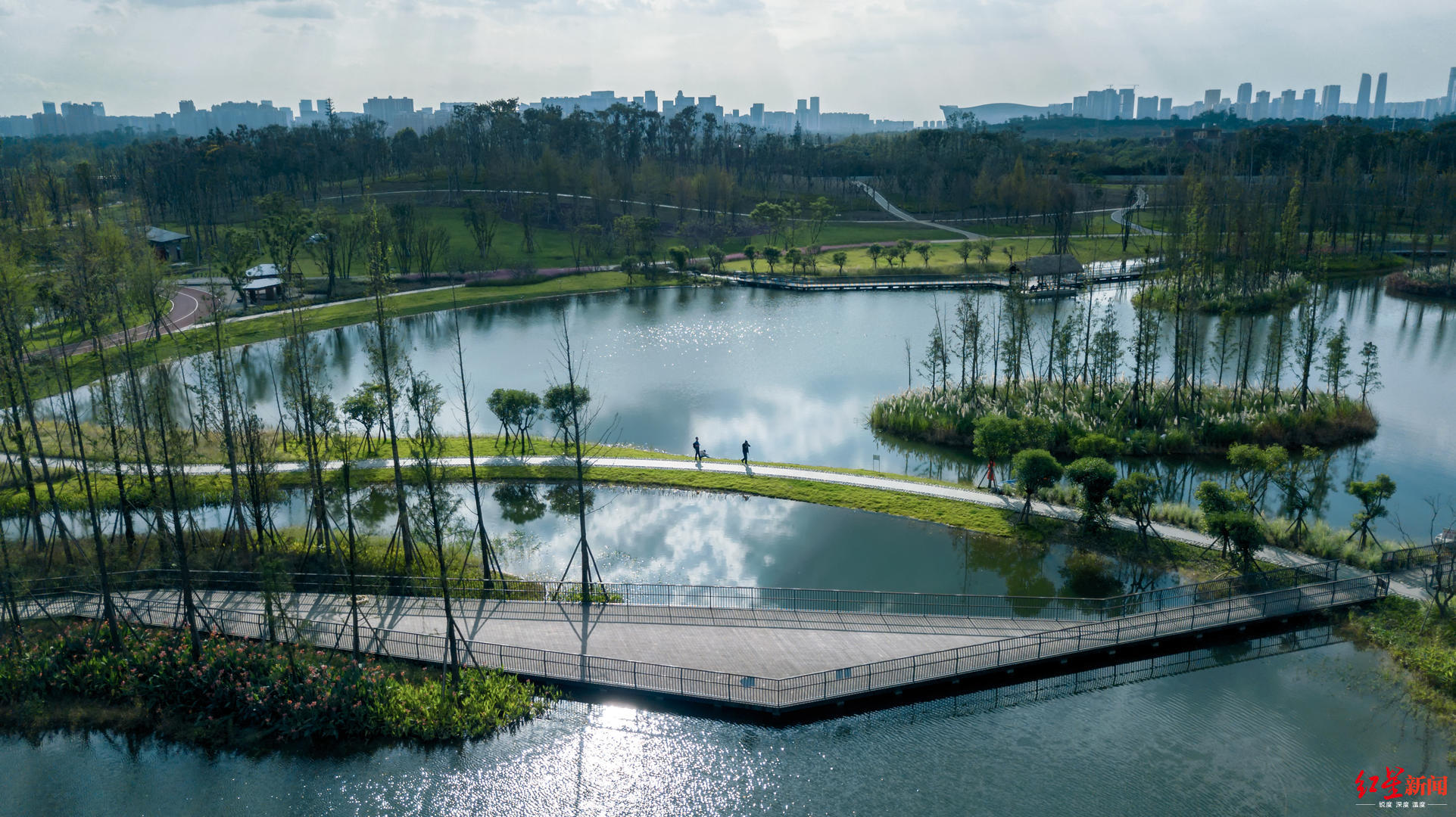 """锦城公园值多少钱?专家算了账:3个""""1万亿""""!"""