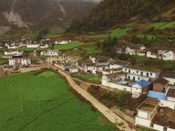 凉山最大易地扶贫搬迁聚居点9月将完成一期主体框架