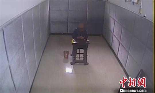男子身负多起盗窃案潜逃16年 终被警方抓获
