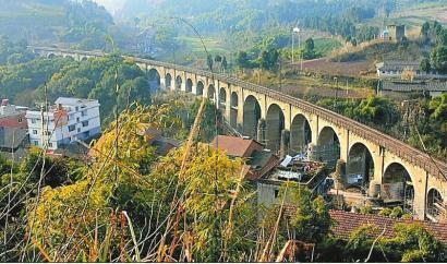 7月17日拍摄的王二溪大桥。资阳市雁江区忠义镇政府供图