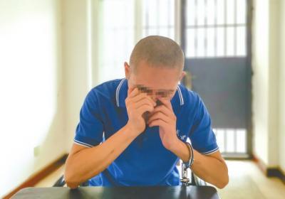 老父患癌臥病在床 吸毒兒子下跪懺悔