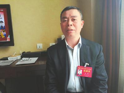 省人大代表、资阳市政协副主席倪勋。