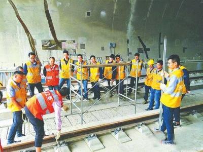 成贵铁路兴文至贵阳段 建设进度完成95%