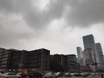 成都阴雨天将继续 市民注意保暖哦