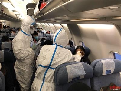 登机检疫、入境测温、隔离留验……成都这样织牢口岸疫情防控