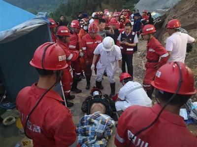 四川江油一处在建隧道垮塌 经176小时营救被困3人全获救