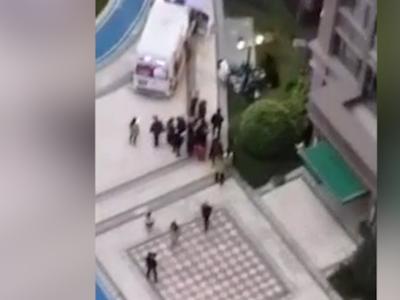 警方通报绵阳2岁女童从26楼坠亡:在家玩耍时不慎从阳台掉下
