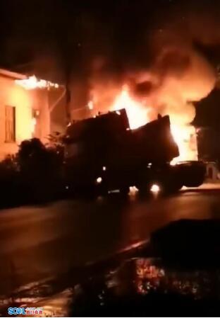 峨眉山市发生7车相撞 目前1人死亡8人受伤