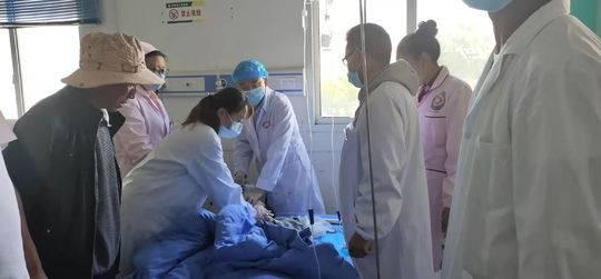 男孩坠楼受伤呼吸心跳停止2次 医生抢救5小时夺回生命