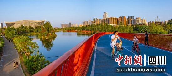 """成都市委十三届九次全会举行 科技""""加速度""""建设公园城市"""