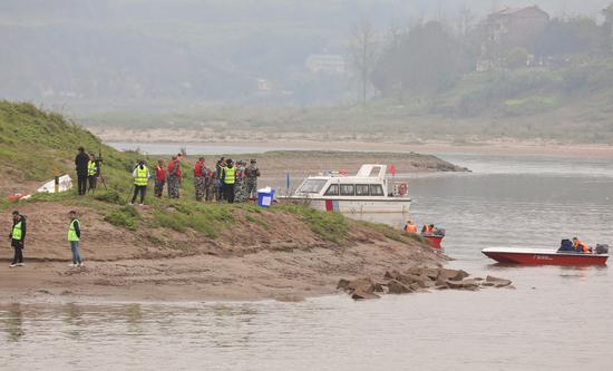 川渝两地首次同步在嘉陵江进行大规模环境应急演练