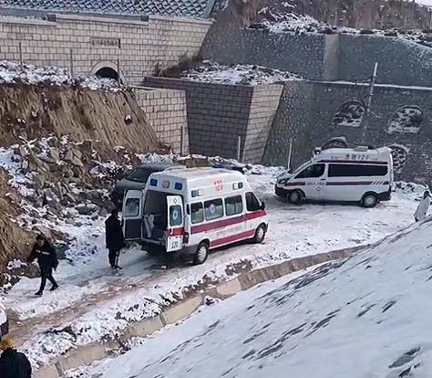 榆林一铁路维修车撞上施工工人致4死 相关责任人已被控制