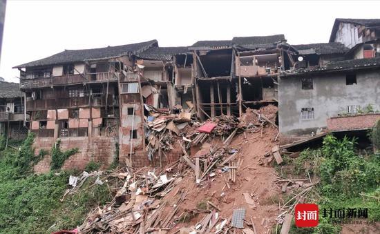 福宝古建筑群垮塌的老屋