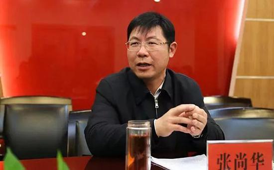 四川巴中市原副市长张尚华被双开:搞封建迷信、伪造学历文凭