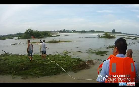 近日暴雨请注意安全 15名广汉钓友突遇涨水险丢性命