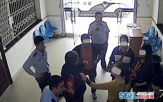 四川什邡两市民阻碍民警执行职务被行政拘留
