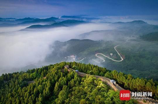 成都今年建成龙泉山森林公园40公里环山大道