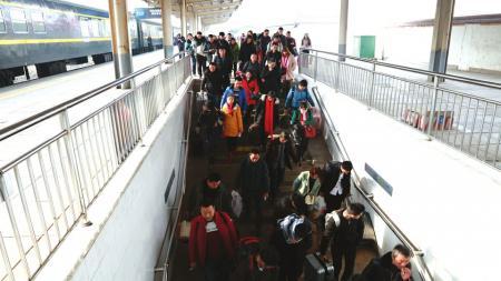 南充北站日送旅客同比增长77.5%