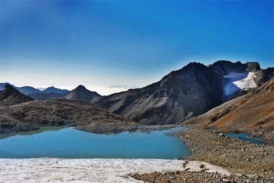 四川达古冰山地质公园