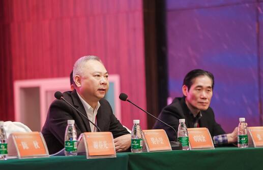 四川省预防医学会副会长、秘书长莫小堃先生致开幕辞