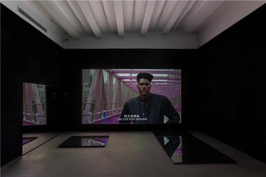 《狂人日记:纽约》,程然,彩色,有声,单屏高清录像,5'11'',2016-2017