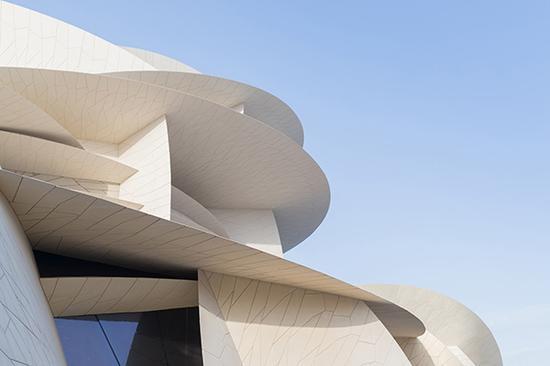 """博物馆的造型犹如""""沙漠玫瑰"""" ©Iwan Baan"""