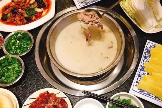 佛性青年也不能拒绝这碗汤 2018成都最赞羊肉汤地图奉上