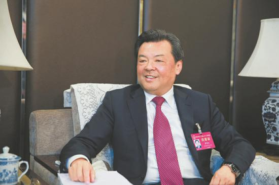 人大代表、攀枝花市委书记贾瑞云。