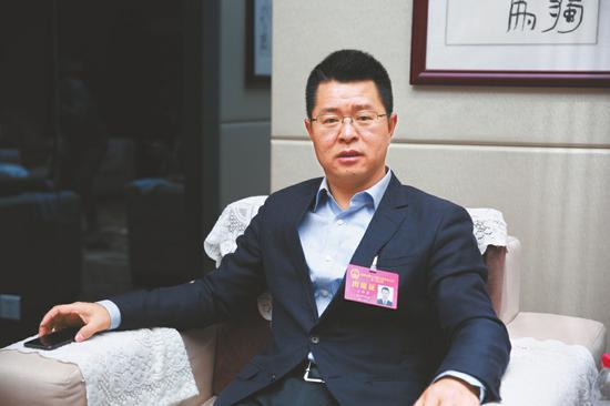 成都市人大代表、彭州市市长王锋君。