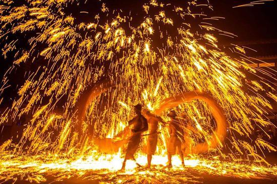 芦溪镇首届火龙节来了