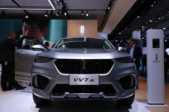 2017年9月14日在德国法兰克福国际车展上拍摄的中国长城汽车公司高端品牌WEY旗下非插电混动车型VV7s Hi4