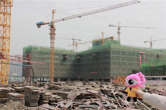 3月正在建设中的初、高中教学楼
