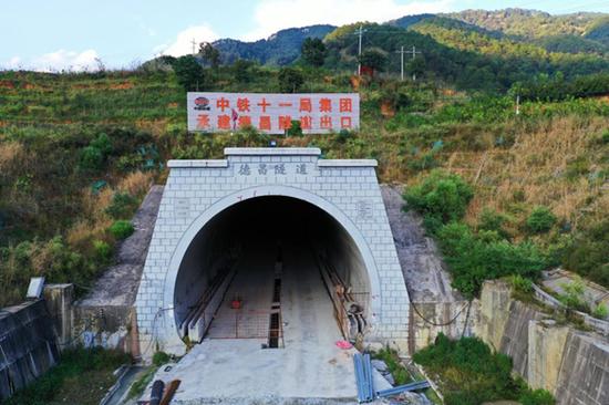 成昆铁路扩能改造工程冕宁至米易段
