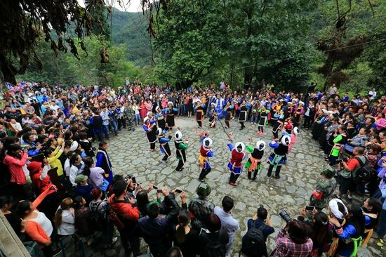 金秋的年节—— 四川石棉县尔苏藏族还山节