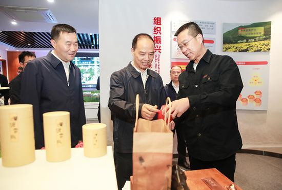 李酌在汉源县调研时强调 做优经济质量 做大经济总量 争当全市县域