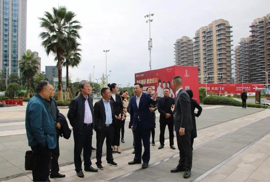 遂宁金融机构领导考察泸州金融商业中心