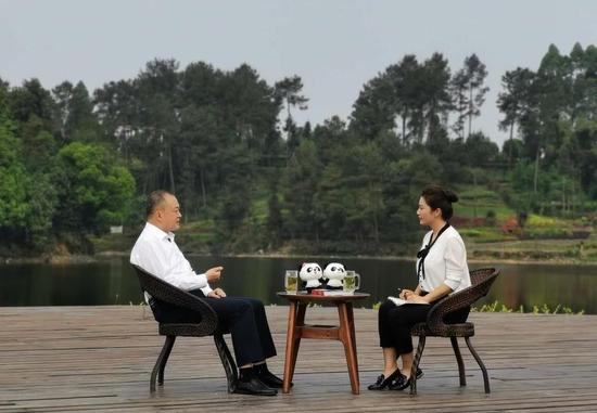 雅安市委书记兰开驰接受《对话绿色先锋》访谈
