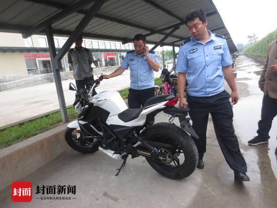 使用伪造车辆合格证办理新车入户的摩托车。
