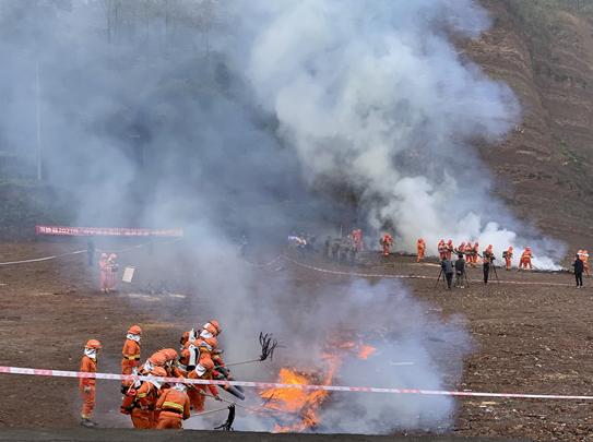 洪雅县中山镇开展森林防灭火宣传工作