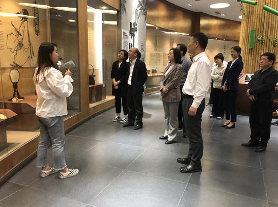 浙江开化县组团考察青神竹编产业发展