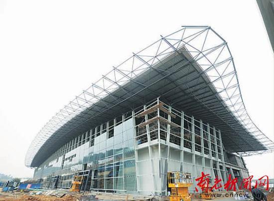 建设中的T2航站楼