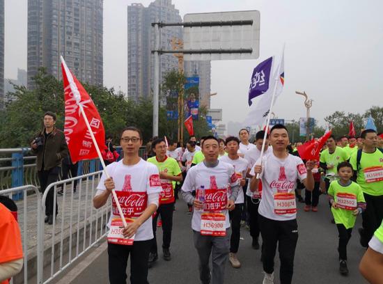 中粮可口可乐跑团助力2019乐山国际半马