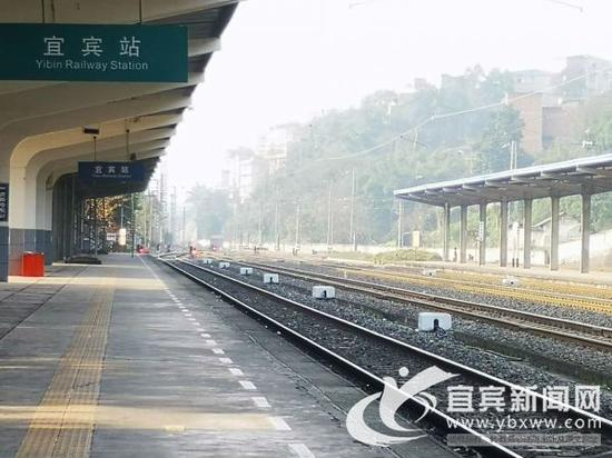 春运期间宜宾站18趟列车。(宜宾新闻网 曾江 摄)