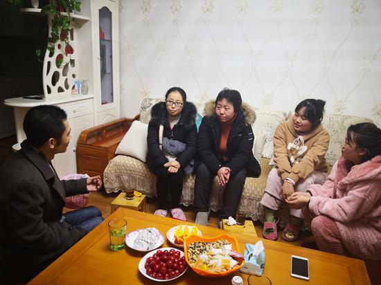 成都市龙泉中学第三党支部及高2017级班主任开展家访活动